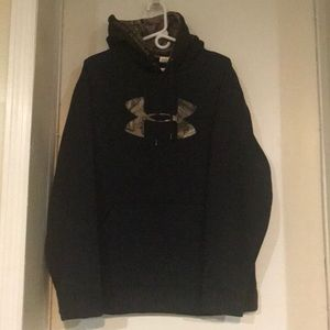 Men's Under Armour Hoodie Size Lg.  Worn one time